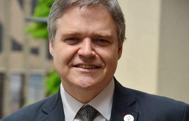ENTREVISTA COM O PROFESSOR PHD LUIS LAMB, PRÓ-REITOR DE PESQUISAS DA UFRGS.  EDITORIA: MAIS DOMINGO REPÓRTER:MAUREN